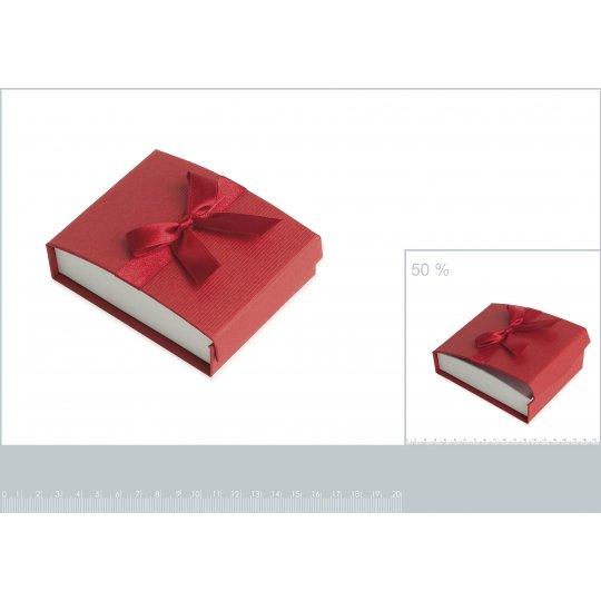 Écrin rouge pour petite parure